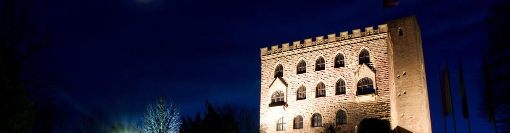 hambacher-schloss-nacht