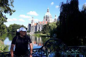 Vor dem Rathaus in Hannover